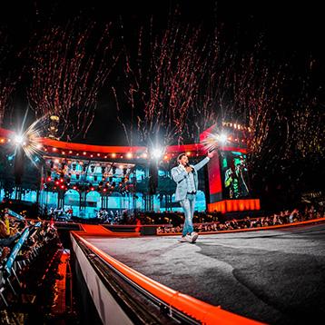Tino Martin geeft uitverkocht concert in Olympisch Stadion thumbnail
